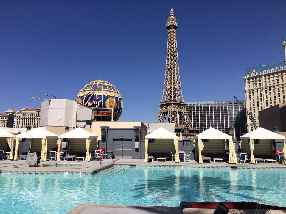 5 las vegas hotels for 5 different types of guys toronto for Pool show toronto 2015